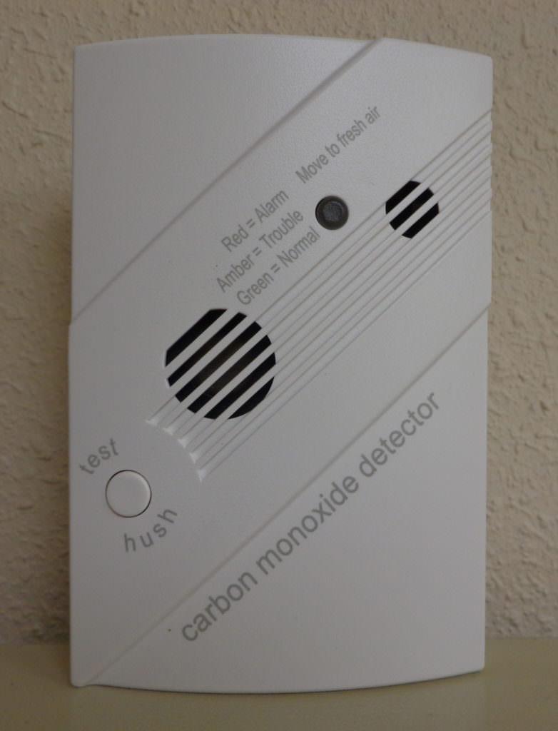 picture of a carbon monoxide detector