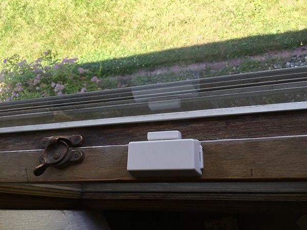 picture of a white window sensor